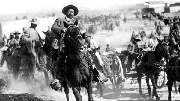 Pancho Villa y su caballo Siete Leguas
