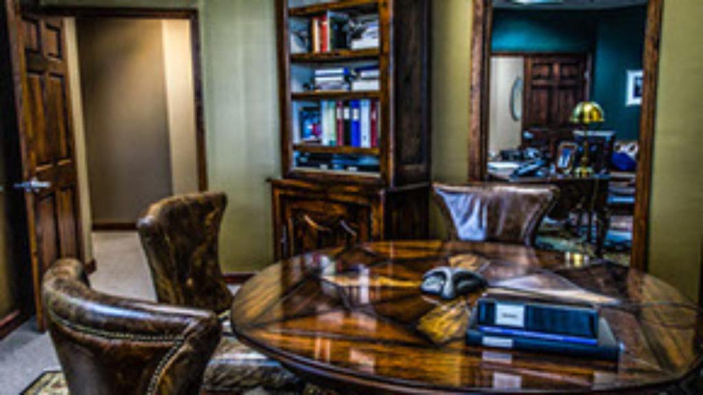 Gustavo Mirabal el asesor financiero