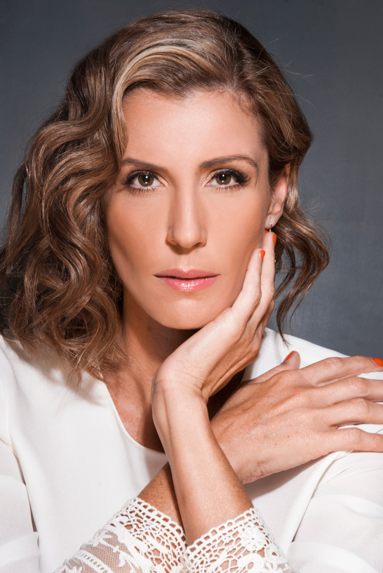Carolina Mirabal es Carolina Chapellín | Gustavo Mirabal