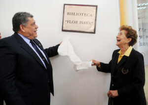 Flor Isava